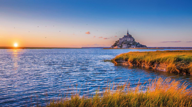 Le Mont Saint Michel iStock624911330