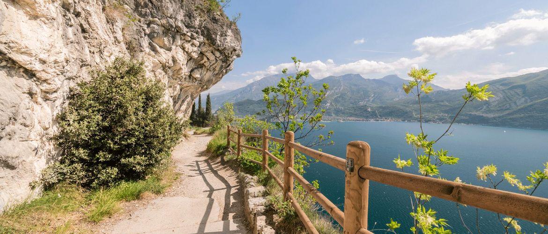 Spur des Ponale Riva del Garda iStock639582180 web