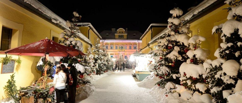 Schloss Hellbrunn Weihnachtsmarkt.Salzburger Christkindlmarkt Und Advent Schloss Hellbrunn Busreise