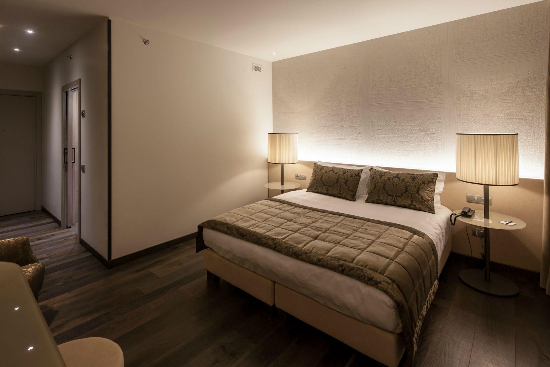 08 h Murano LaGare room