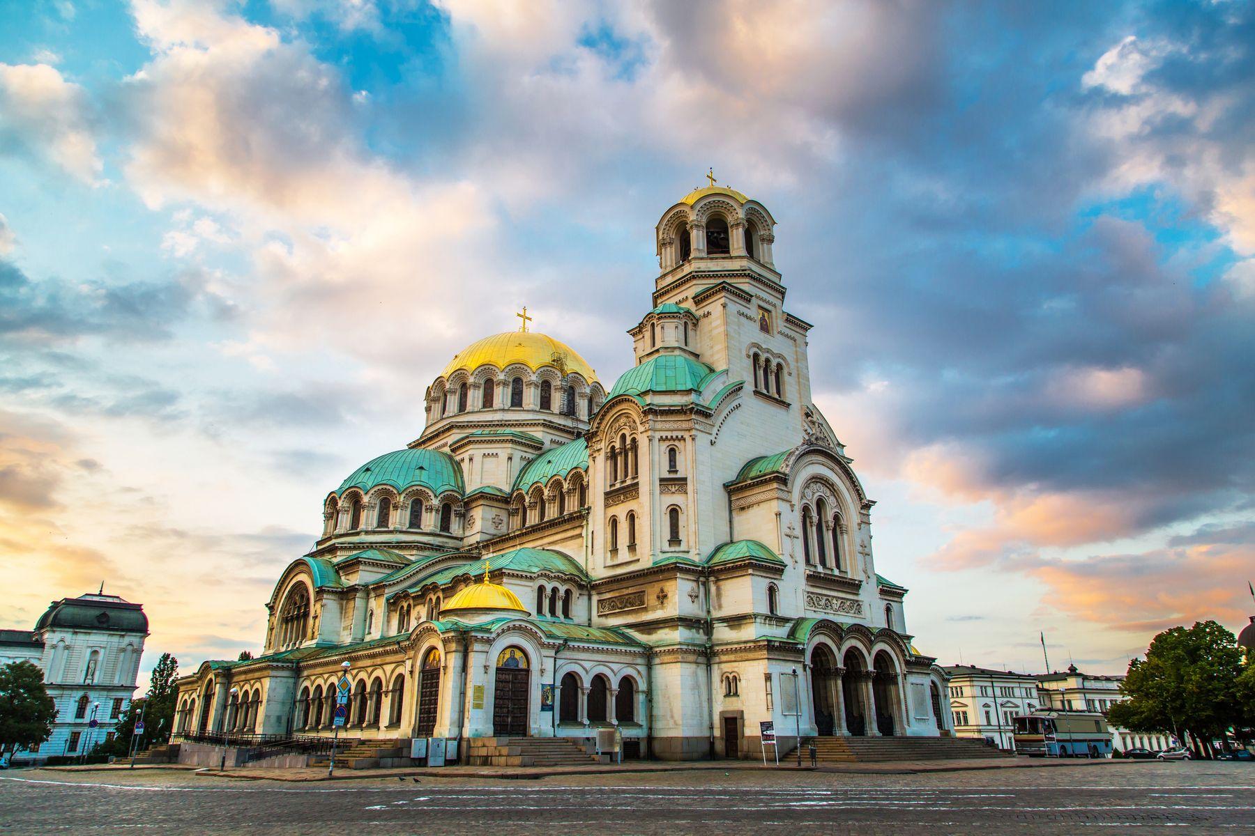 Alexander Newski Kathedrale in Sofia iStock 486604612